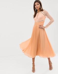 Платье миди с кружевным топом, длинными рукавами и плиссированной вставкой на юбке ASOS DESIGN-Синий