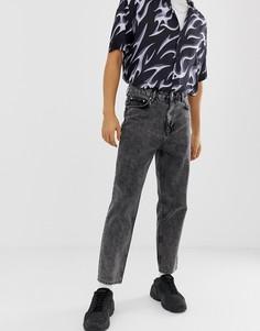 Черные джинсы с завышенной талией и эффектом кислотной стирки ASOS DESIGN-Черный
