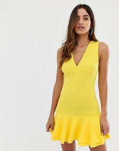 Желтое облегающее платье с баской AX Paris-Желтый