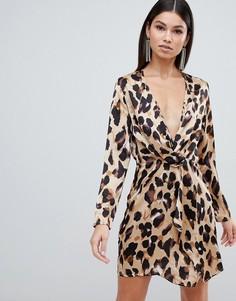 Платье с длинными рукавами, перекрученным дизайном и леопардовым принтом Club L-Мульти