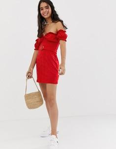 Сарафан мини с открытыми плечами, вышивкой ришелье и поясом с черепаховой пряжкой ASOS DESIGN-Красный