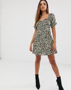 Платье мини с вырезом сердечком и леопардовым принтом ASOS DESIGN-Мульти