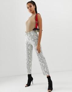 Монохромные джинсы прямого кроя с завышенной талией, покрытием, змеиным принтом и строчкой неоновой расцветки ASOS DESIGN - Farleigh-Мульти
