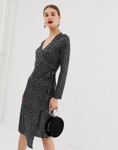 Плиссированное платье с запахом и леопардовым принтом River Island-Черный