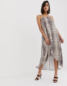 Атласное платье макси бандо с принтом под змеиную кожу ASOS DESIGN-Мульти