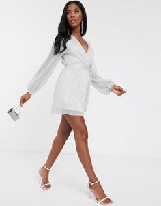 Серебристое короткое приталенное платье с глубоким вырезом и пайетками Club L London-Серебряный