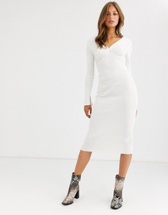 Трикотажное платье миди с глубоким V-образным вырезом и плиссировкой ASOS DESIGN-Кремовый