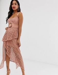 Кружевное платье миди с квадратным вырезом и ремнем ASOS DESIGN-Розовый