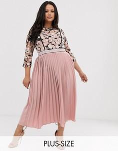 Розовое платье миди с вышивкой на топе, рукавами 3/4 и плиссированной юбкой Little Mistress Plus-Розовый
