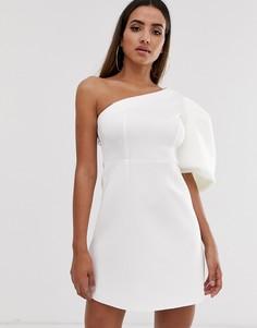 Короткое приталенное платье на одно плечо с пышным рукавом ASOS DESIGN-Белый