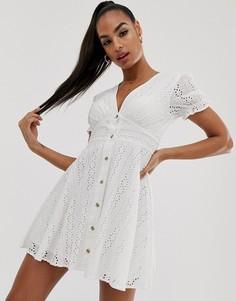 Белое платье миди с V-образным вырезом и вышивкой ришелье Na-kd-Белый