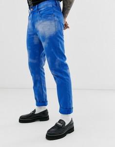 Ярко-синие узкие джинсы с облачным принтом ASOS DESIGN-Синий