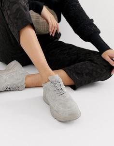Серовато-стальные кроссовки на массивной подошве Public Desire Blend-Серый