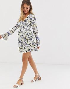 Короткое приталенное платье с завязками на рукавах и цветочным принтом Glamorous-Мульти