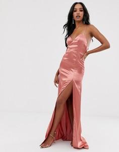 Розовое атласное платье макси с глубоким вырезом и разрезом Club L London-Розовый