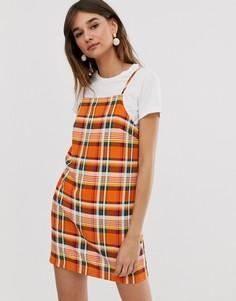 Оранжевое платье в клетку на бретельках Monki-Оранжевый