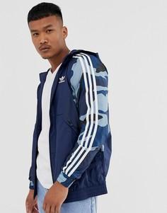 Ветровка с камуфляжным принтом adidas Originals-Синий