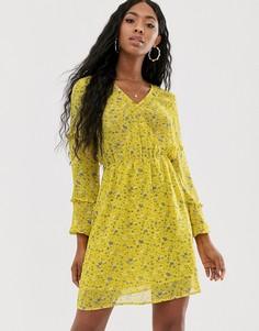 Желтое платье мини с V-образным вырезом и цветочным принтом NA-KD-Желтый