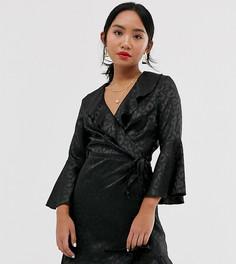 Черное платье с запахом, расклешенными рукавами и леопардовым принтом Outrageous Fortune Petite-Черный
