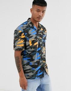 Свободная рубашка с камуфляжным принтом и карманами на груди ASOS DESIGN-Зеленый