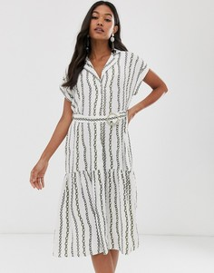 Платье-рубашка с принтом цепочек и поясом River Island-Белый