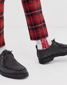Белые спортивные носки с красным принтом ASOS DESIGN-Белый