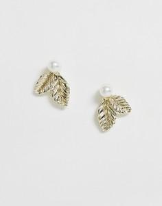 Золотистые серьги-гвоздики с жемчужинами True Decadence-Золотой