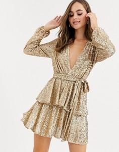 Золотистое короткое приталенное платье с глубоким вырезом и пайетками John Zack-Золотой