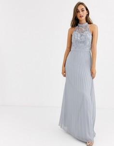 Серое платье макси с кружевом и плиссированной юбкой Chi Chi London-Серый