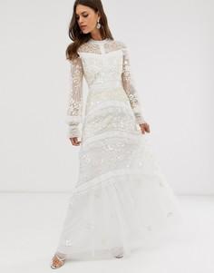 Кружевное платье макси цвета слоновой кости с пуговицами Needle & Thread Bridal-Синий