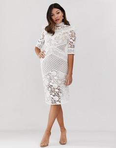 Белое кружевное платье миди с оборкой на кокетке True Decadence Premium-Белый