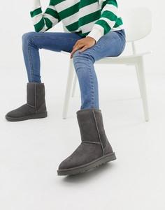 Серые ботинки UGG Classic Short II-Серый