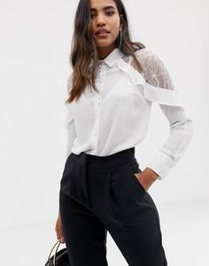 Рубашка с открытыми плечами и кружевными вставками Lipsy-Кремовый
