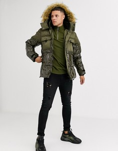 Дутая куртка цвета хаки с мокрым эффектом River Island-Зеленый