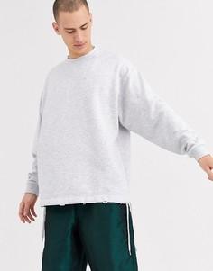Белый свободный свитшот с длинными рукавами ASOS DESIGN