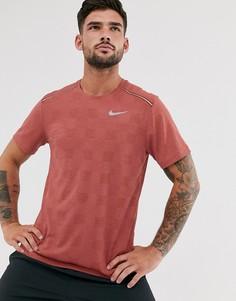 Футболка с принтом в шахматную клетку Nike Running Miler-Красный