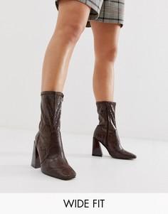 Ботинки для широкой стопы на каблуке Truffle Collection-Коричневый