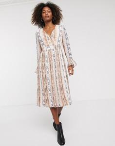 Свободное платье с длинными рукавами и змеиным принтом Y.A.S-Мульти