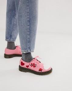 Розовые кожаные ботинки с вышивкой сердечек Dr Martens 1461-Розовый
