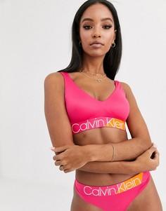 Розовый бралетт с логотипом Calvin Klein