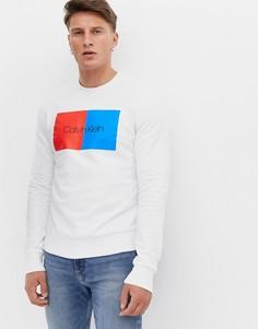 Свитшот в стиле колор блок с круглым вырезом и логотипом Calvin Klein-Белый