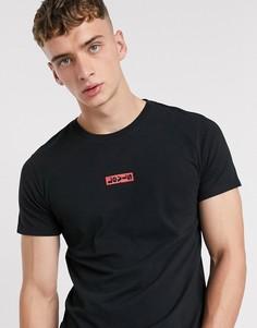 Черная свободная футболка с красным логотипом на груди Levis-Черный