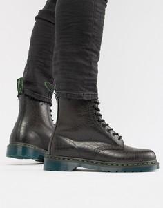 Черные ботинки с отделкой в виде черепа и 8 парами люверсов Dr Martens 1460-Черный