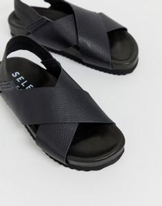 Кожаные сандалии на толстой подошве с перекрещенными ремешками Selected Femme-Черный