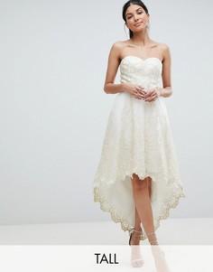 Кружевное платье для выпускного Chi Chi London Tall-Кремовый