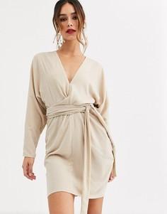 """Бархатное платье мини с рукавами """"летучая мышь"""" и запахом ASOS DESIGN-Кремовый"""