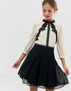 Разноцветное приталенное платье с контрастным кружевом Little Mistress-Мульти