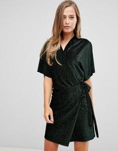 Бархатное платье-кимоно в полоску с запахом Flounce London-Черный