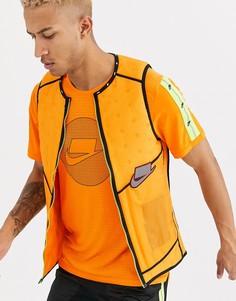 Оранжевый жилет Nike Running Run Wild