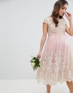 Платье миди из премиум-кружева с широким вырезом Chi Chi London Maternity-Розовый